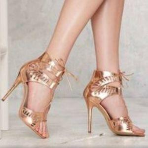 10 Lipstik Kara Heeled Sandal